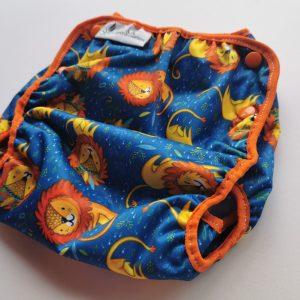 cover-überhose-für-die-stoffwindel-handmade-sendoro-shop-blau-löwen-tiere