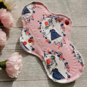 stoffbinde-bambus-sendoro-shop-handmade-slipeinlage-blumen-baumwolle-wetbag-nasstasche-start-paket-rosa