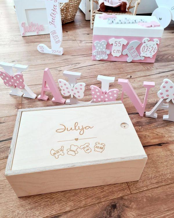 personalisierte erinnerungstruhe schlicht holz sendoro shop traumhaft baby erinnerungskiste box baby geschenk
